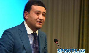 Руководитель НОК поздравил победителя Азиатских игр Дениса Истомина