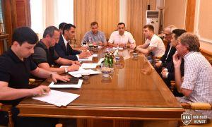 Равшан Ирматов встретился с тренерами сборных команд