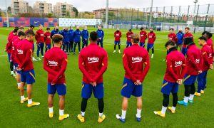 """""""Барселона"""" машғулотларни Марадона хотираси учун сукут сақлаш билан бошлади"""