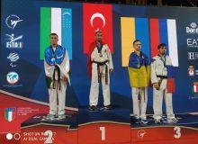 Паратаэквондочиларимиз Италиядан медаллар билан қайтишмоқда