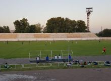 FC Neftchi play out a 2-2 draw with FC Navbahor