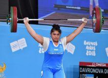 Dolera Davronovaga o'smir Olimpiadasining kumush medali topshiriladi