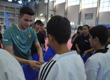 Наш самый молодой чемпион провёл мастер-класс для юношей Нукуса