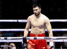 Bakhodir Jalolov stops Krispats Zutis in 2