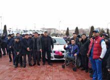 Tokio-2020 Paralimpiya o'yinlariga yo'llanmani qo'lga kiritgan Azizbekka avtomobil sovg'a qilindi