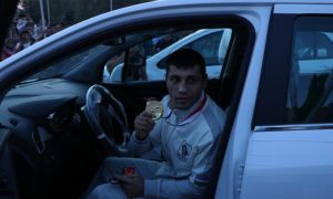 Жаҳон чемпиони бўлган Шаҳобиддин Зоировга қандай автомобил совға қилинди? (фото)