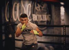 Azizbek Abdugofurov to struggle with Britain Lerrone Richards in his title defence