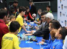 Эктор Купер и звёзды отечественного футбола встретились с юными футболистами