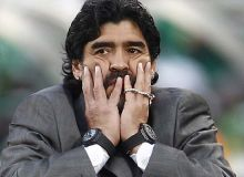Марадона нега доим иккита соат таққан? Бу сирни Роналдо очди