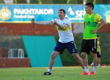 Shota Arveladze joins FC Pakhtakor training sessions after a 14-day quarantine