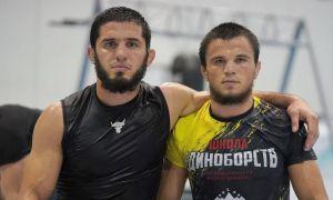 Умар Нурмагомедовнинг UFC промоушенида қачон дебют қилиши маълум бўлди