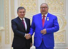 Алишер Усмонов коронавирусга қарши кураш учун Ўзбекистонга 20 миллион доллар ажратди