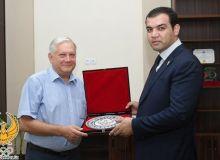 В НОК обсудили вопросы сотрудничества с знаменитым фармацевтом Украины