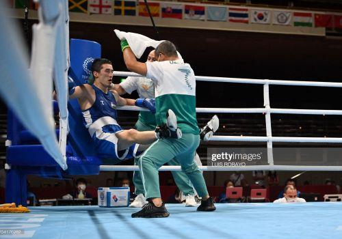 Tokio-2020. Elnur Abduraimov tojikistonlik bokschiga imkon qoldirmadi va chorak finalga chiqdi LIVE