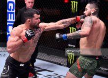 """UFC 258"". Родольфо Виейранинг мағлубиятсиз серияси якунига етди (видео)"