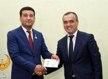 Президенту НОК вручили нагрудной знак «Отличник физической культуры и спорта»