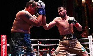 Баходир Жалолов отпраздновал победу в титульном бою