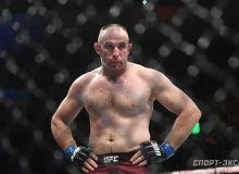 Тажрибалилар қарама-қаршилиги ёхуд Олейник UFC собиқ чемпионини таслим этди