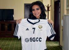 Фотофакт: Известная певица Муниса Ризаева посетила стадион в Карши