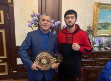 Равшанбек Умурзақовга профессионал бокс федерация раҳбари томонидан юксак ишонч билдирилди
