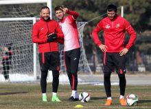 FC Lokomotiv leave for Antalya training camp