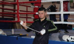 Ўзбекистонлик боксчи дебют жангида тажрибали рақибга қарши рингга кўтарилади