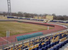На алмалыкском стадионе проводятся ремонтные работы