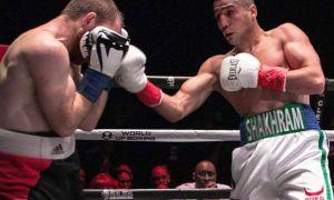 Uzbek star Shakhram Giyasov scores a first round knockout of Daniel Echeverria