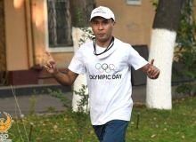 Спортсмены-любители накануне «Олимпийского дня» пробежали марафон по Ташкенту