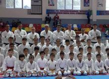 Новый тренер национальной сборной по каратэ провёл семинар в Самарканде