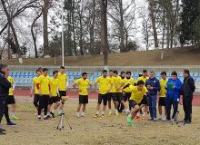 Футболисты АГМК сдали нормативы