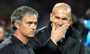 """AS: Зидан """"Манчестер Юнайтед""""нинг таклифини кўриб чиқмоқда"""