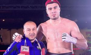 Bakhodir Jalolov puts Kamshybek Kunkabayev over Ivan Dychko