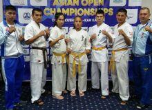 Каратисты Узбекистана участвуют в чемпионате Азии