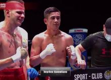 19-year-old boxer knocked out his opponent in 35 seconds with a super punch.