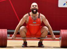 Ruslan Nurudinov breaks Asian Games record in Jakarta