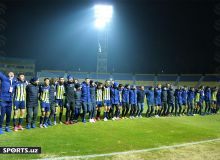 How many times did Pakhtakor players become champions?