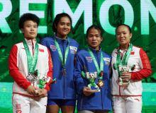 Таиландлик оғир атлетикачи қизларга тенг келиб бўлмаяпти