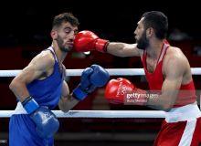 Uzbek boxer Shakhobidin Zoirov begins title defence with routine win