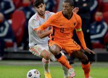 Голландия - Испания баҳсида кучлар тенг келди (видео)