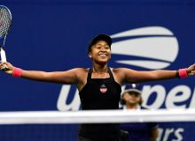 "Пеле ""US Open""да ғолиб чиққан япониялик теннисчи қизни табриклади"
