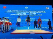 Тяжелоатлет Узбекистана стал серебряным призером ЧА