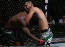 Узбекский боксер одолел соперника в дебютном поединке в UFC (Видео)