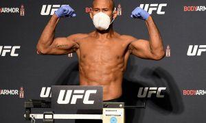 """UFC249"" турнири хавф остида. Жангчиларнинг бирида коронавирус аниқланди"