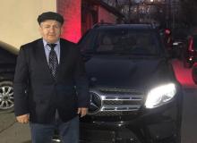 """Рамзан Кодиров Абдулманап Нурмагомедовга """"Мерс"""" совға қилди"""