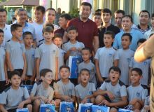 Умид Ахматджанов принял участие в церемонии открытия новой школы футбола в Коканде