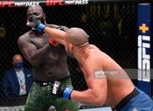 """""""UFC Fight Night"""". Марказий жангда Сирил Ган рейтинг бўйича ўзидан юқорида турган рақибини енгди (видео)"""