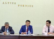 Умид Аҳмаджонов спорт мактабларида ота-оналардан йиғиладиган пул масаласи катта муаммо эканини айтди