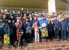Женская сборная Узбекистана U-19 посетила Дом милосердия в Намангане