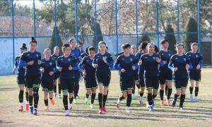 Женская сборная Узбекистана по футболу сегодня ночью вылетает на турнир в Турцию.